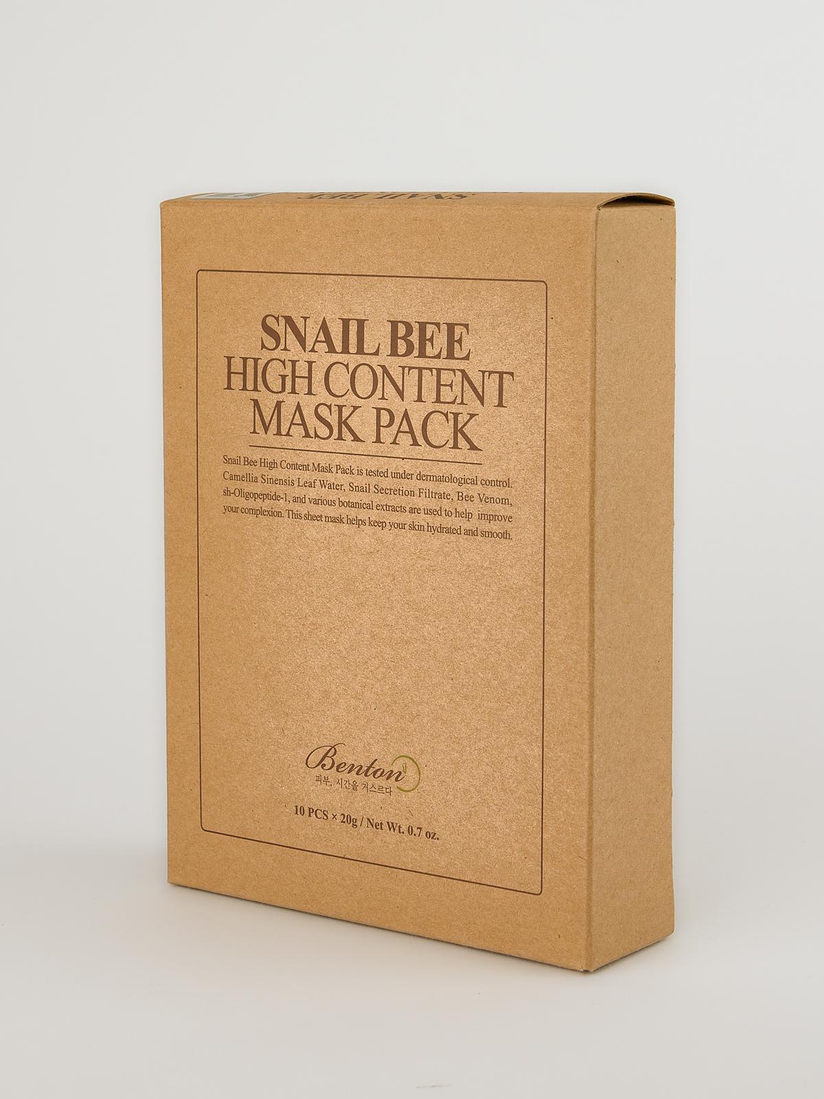 Benton Snail Bee High Content Mask Pack. Schräg stehende Zehner Box mit Korean Sheet Masks aus beigem Öko Karton.
