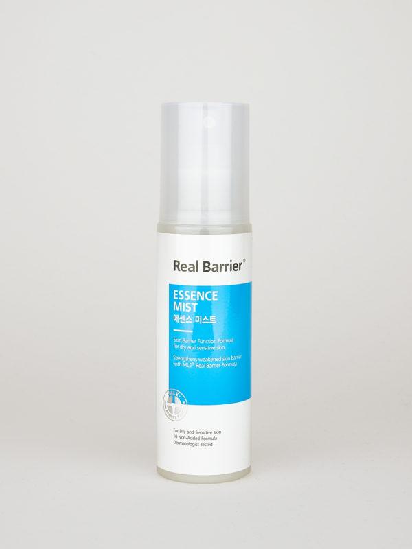 Real Barrier Essence Mist. Koreanischer Toner zum Aufsprühen in blau weißem Sprüh Fläschchen mit transparentem Deckel.